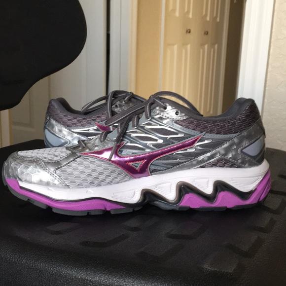 mizuno wave x10 running shoes